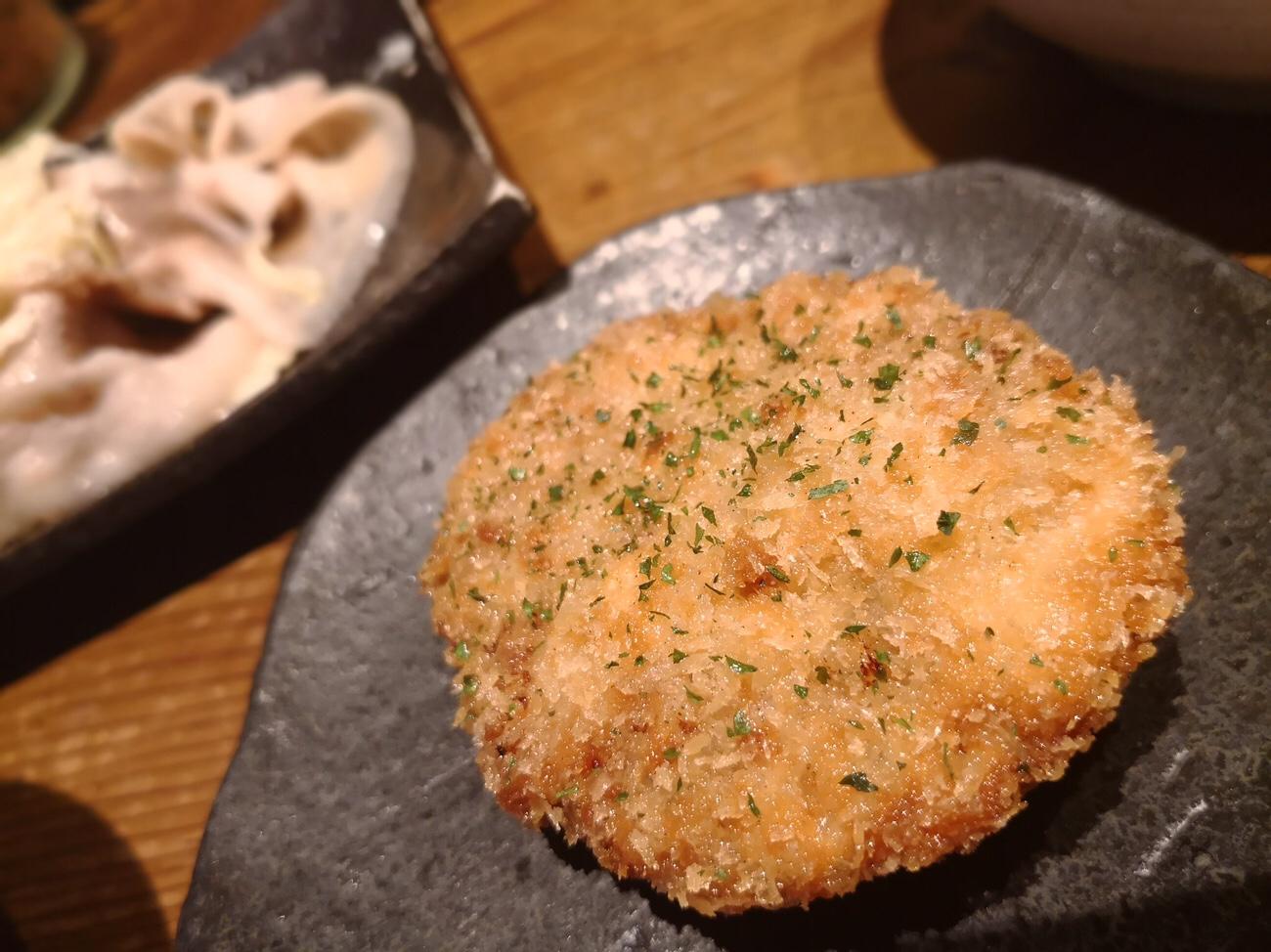 美味しい豚メンチカツ 山ぶた 大阪駅前ビルランチ