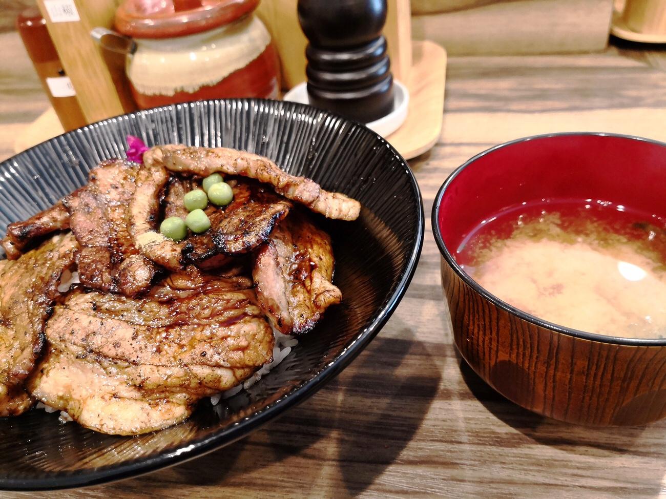 豚や西神田 マンガリッツァ豚の豚丼