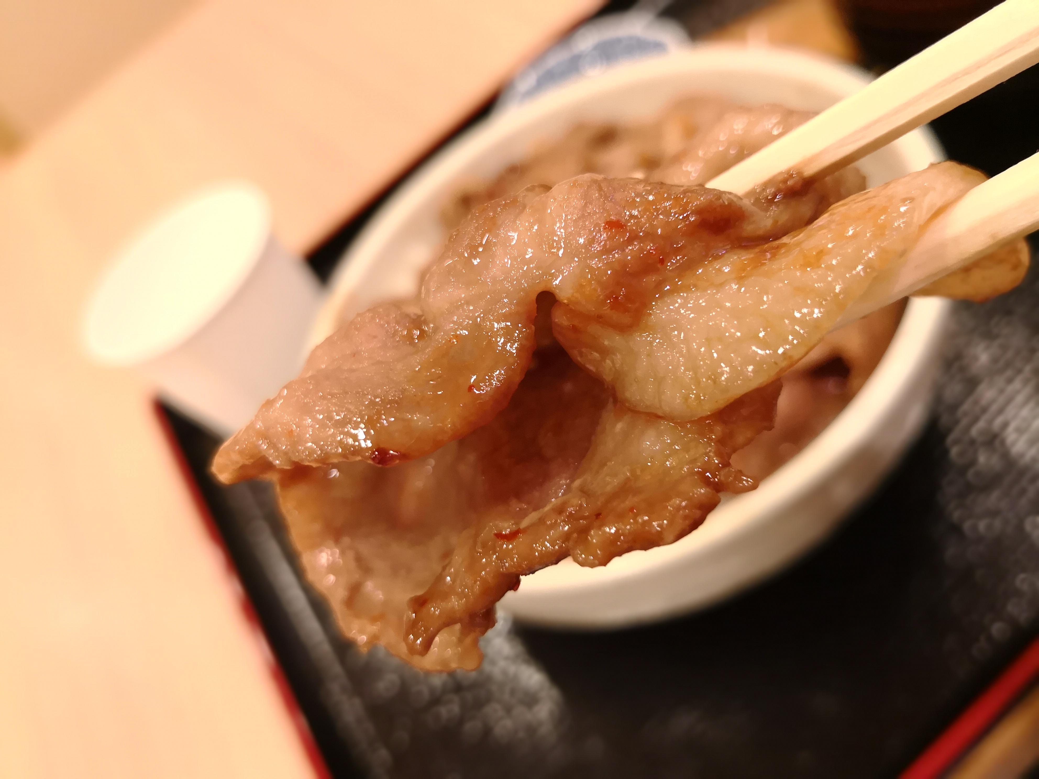 豚丼 とんかつ専門店あさひかわ井泉 新千歳空港フードコート
