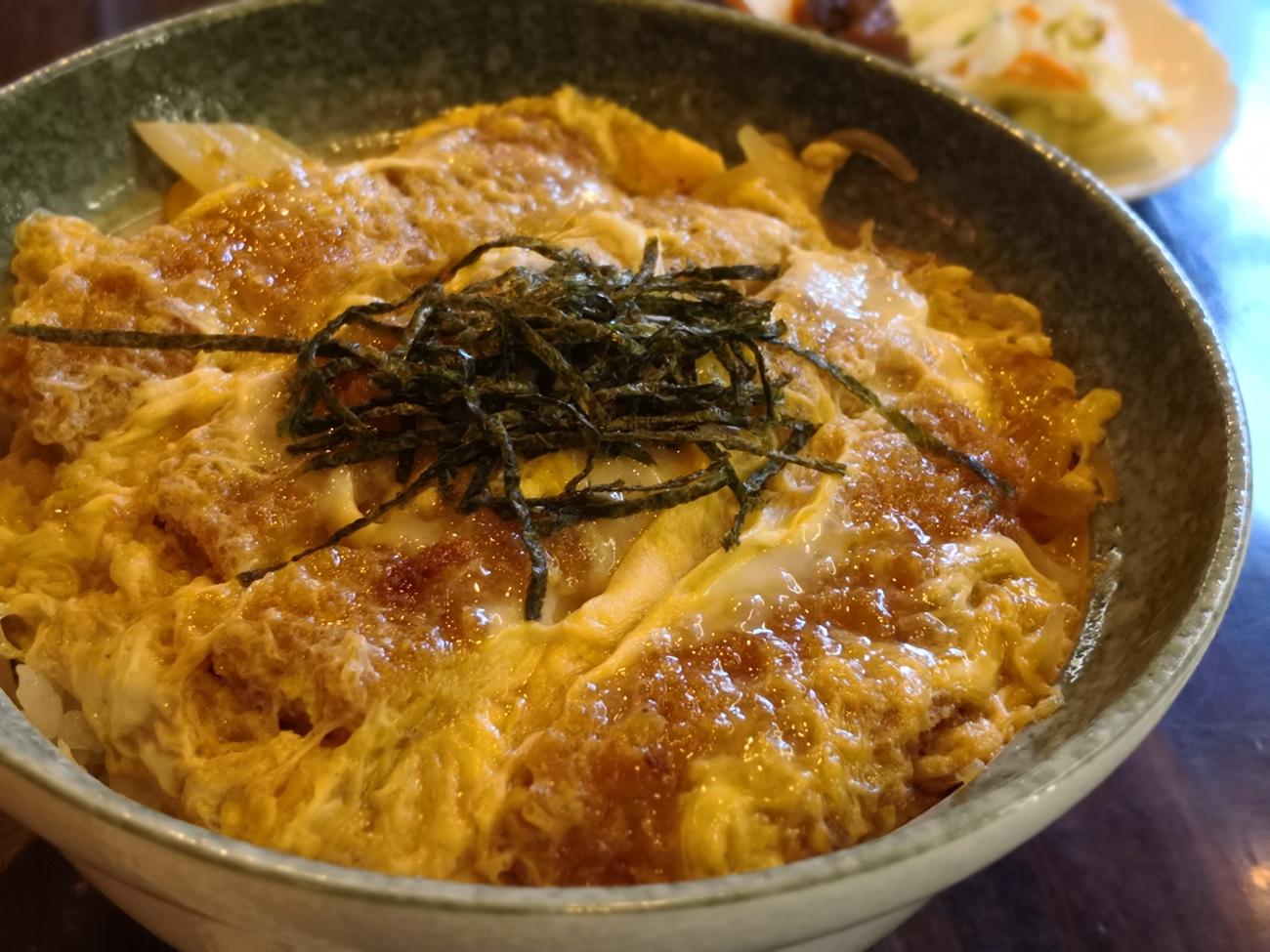 かつ丼が美味しい店 江ノ島「鶴屋」