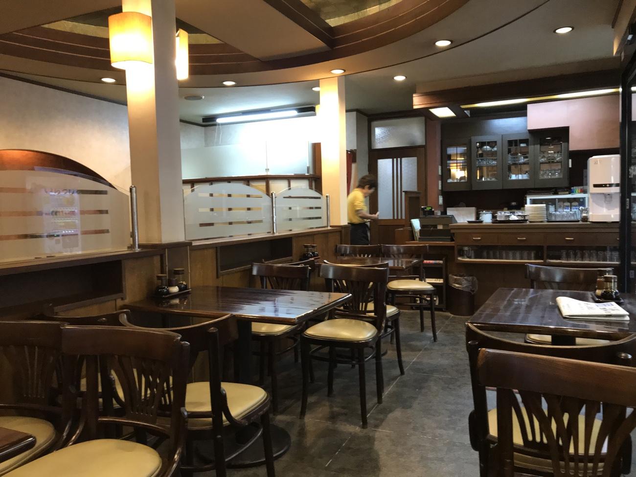 江ノ島 食事処「鶴屋」の店内