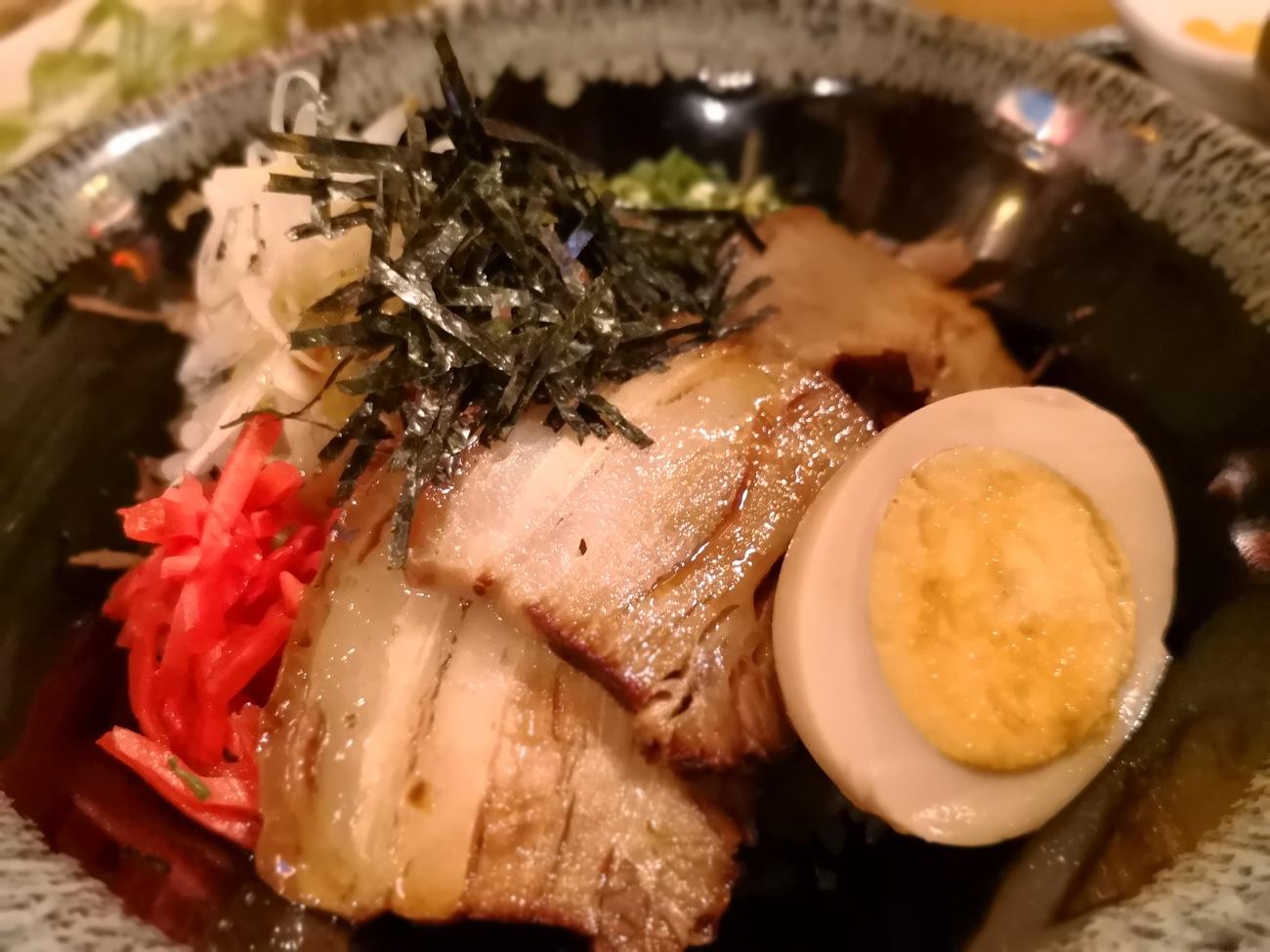 ラフテー丼 南風花 お台場ランチ沖縄料理