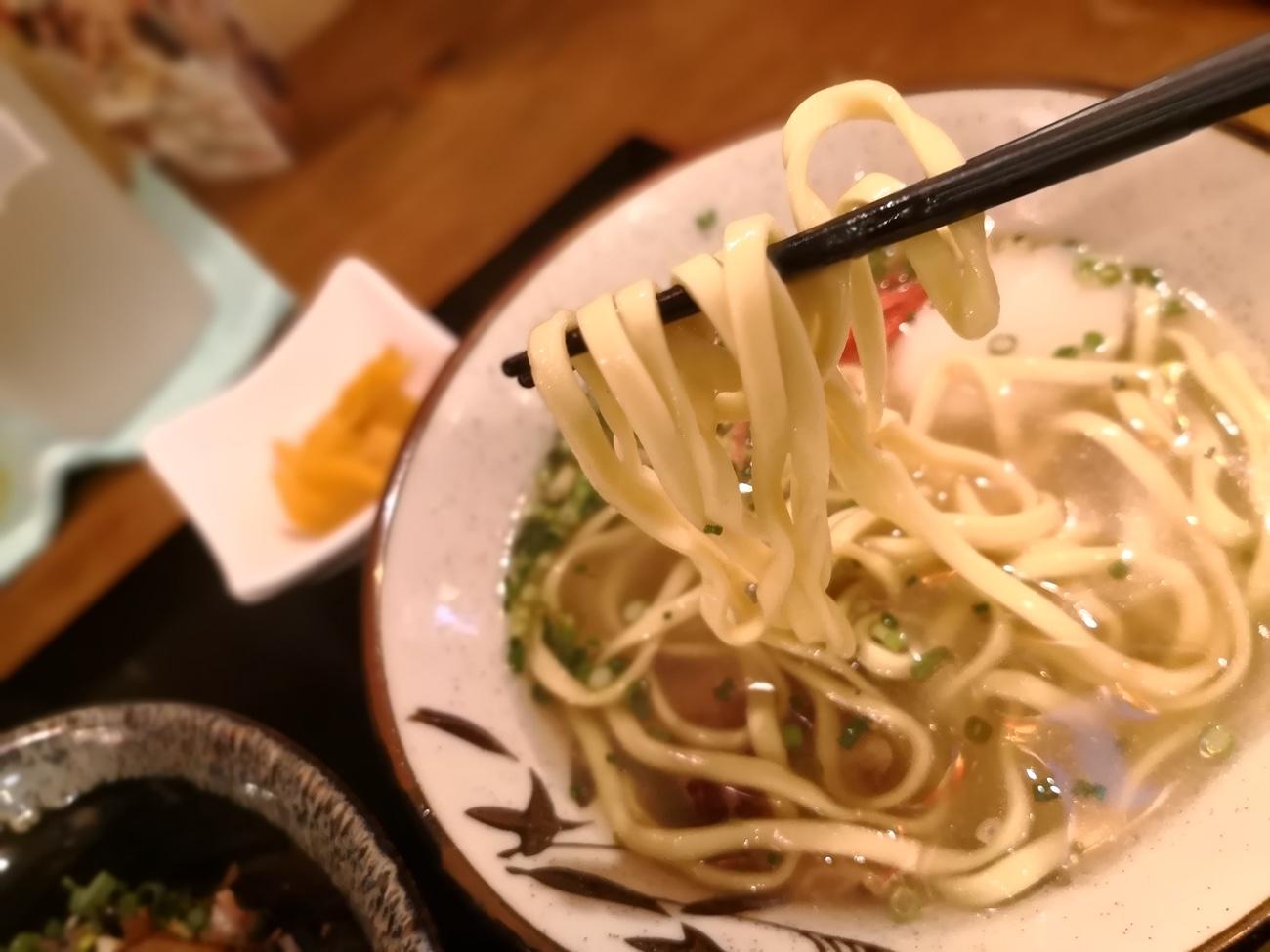 ソーキそばの麺 南風花 お台場ランチ沖縄料理