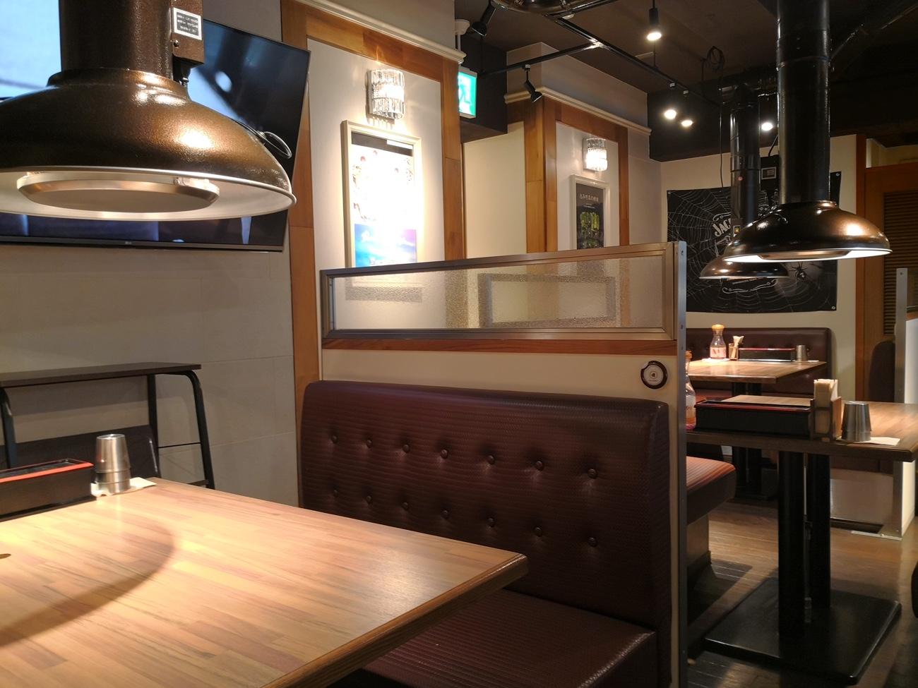 赤坂で韓国料理のランチ 赤坂美豚の店内