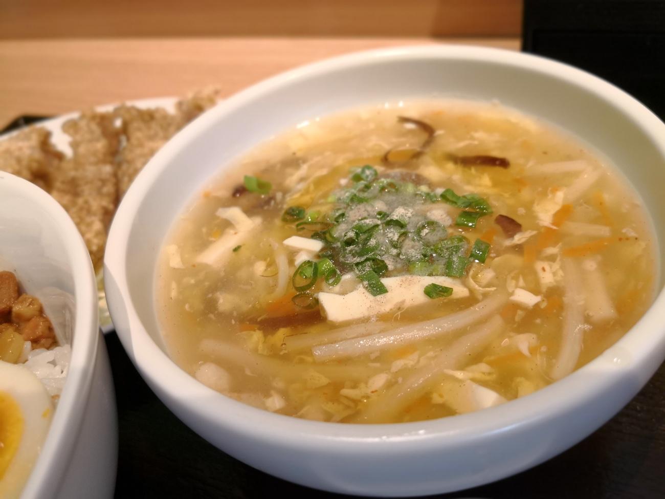 台湾MACHIの酸辣湯麺すーらーたんめん