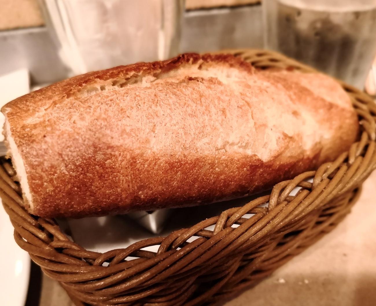 ハンバーグウィル ランチのパン